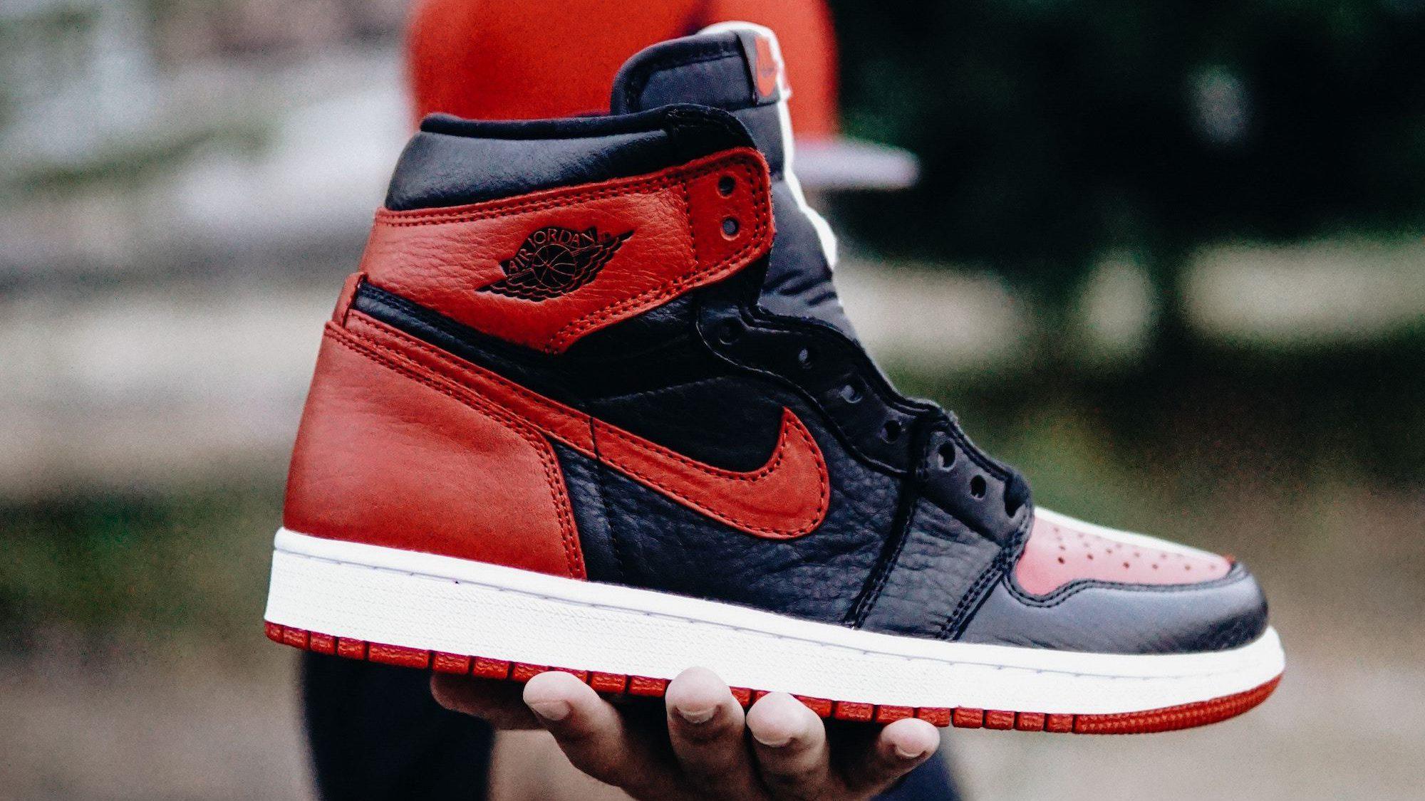 Sneakers & Footwear